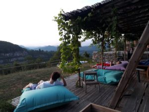 5 terre backpackers
